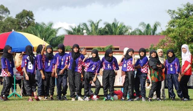 CERIA ... SMKPS akan bertemu SMK Temenggung Ibrahim (TIGS) di perlawanan separuh akhir esok. Pemenang akan bertemu pemenang perlawanan SMK Senggarang dengan SMK Seri Medan.