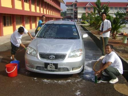 Car wash pun ada.. Mantap betul!