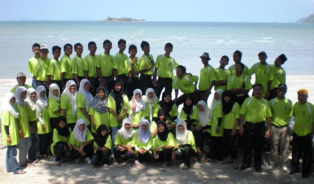 Semua guru dan peserta gembira menyertai perkhemahan kokurikulum 2009