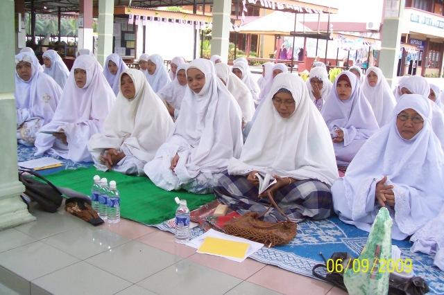 Para Ibu di majlis Solat Hajat Perdana