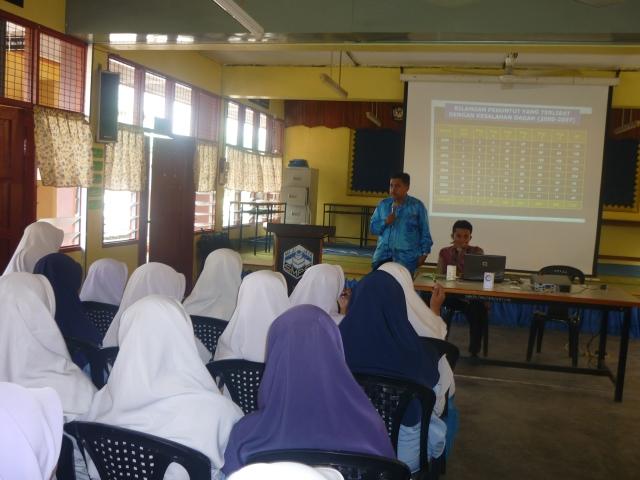 Ceramah oleh Pegawai AADK, Encik Zainal Abidin Mohd Sharif