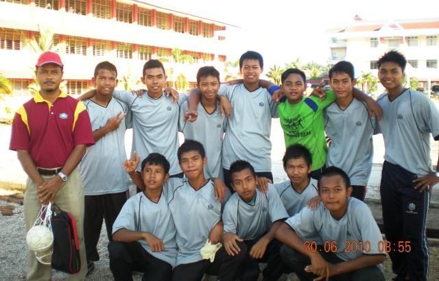 Pasukan L15 bersama jurulatih En. Norhisham