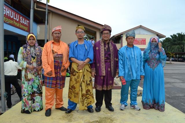 PARA PELAKON DRAMA BANGSAWAN (GURU)