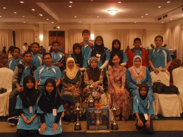 Peserta SMKPS bersama sebahagian kontinjen Johor