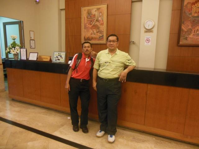 Di Lobi Hotel Grand Plaza