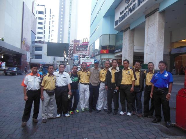 GPK Kokurikulum BP bergambar kenangan sebelum meninggalkan Hatyai