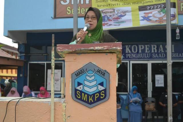 Pengetua SMKPS menyampaikan ucapan perasmian